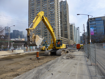 Queens_Quay_construction_2_M